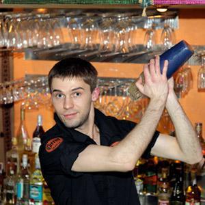 Как стать барменом