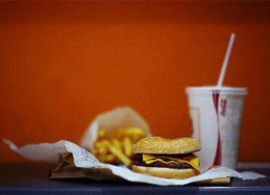 В Боливии запретят продукцию компаний Coca-Cola и McDonald's